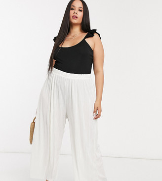 Daisy Street Plus relaxed wide leg trousers in plisse