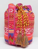 Glamorous Drawstring Shoulder Bag With Chevron Design