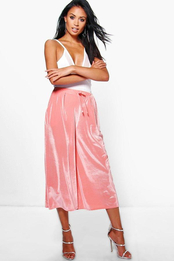 boohoo Ansa Velvet Ribbed Wide Leg Cropped Trousers peach