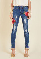 ModCloth Applique Pasa? Jeans in 9