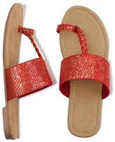 Avon Casual-Cool Toe-Loop Sandal
