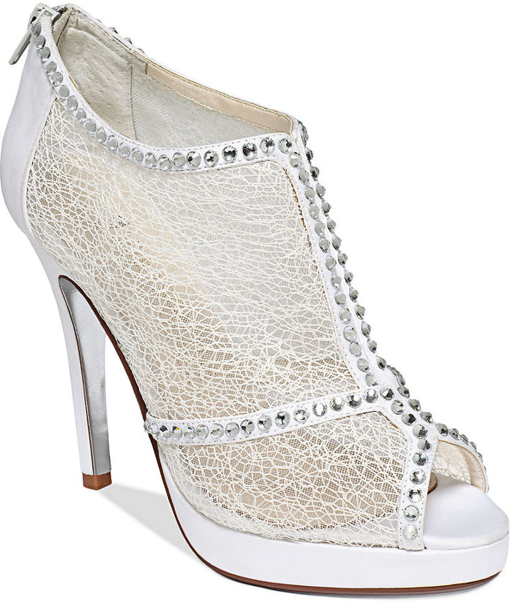 Red Carpet E! Live From the E0038 Lace Evening Booties