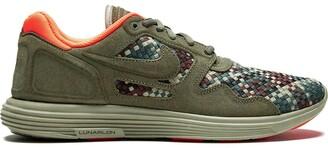 Nike Lunar Flow Woven QS sneakers