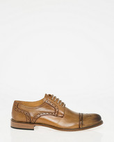 Le Château Italian-Made Leather Cap Toe Brogue