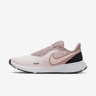 Nike Women's Running Shoe Revolution 5