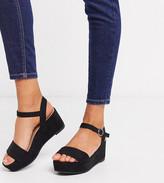 Asos Design DESIGN Wide Fit Tallie flatform sandals in black