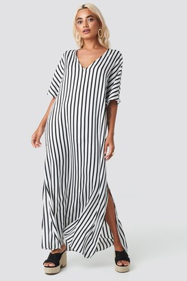 NA-KD Striped V Neck Side Slit Dress