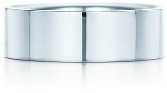 Tiffany & Co. Essential Band ring in platinum, 6 mm wide