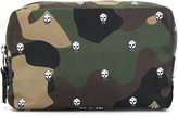Alexander McQueen skull camouflage wash bag - men - Nylon - One Size