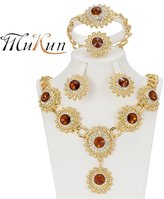 MUKUN Beautiful Flower Type Diamond Crystal Gold-plated Jewelry Sets Necklace Bracelet Earrings Gift Set for Bride and Bridesmaid