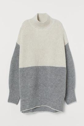 H&M Oversized Turtleneck Sweater - Beige