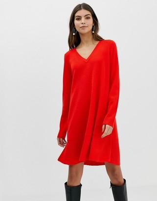 Asos Design DESIGN v neck dress in fine knit with ruffle hem-Red