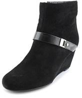 Isaac Mizrahi Koi Women W Round Toe Suede Ankle Boot.
