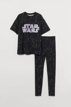 H&M T-shirt and Leggings