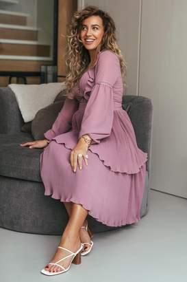 Manon Tilstra X NA-KD Plisse Deep V-neck Dress