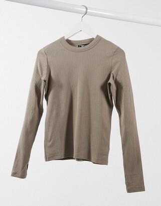 Hummel long sleeve t-shirt in brown