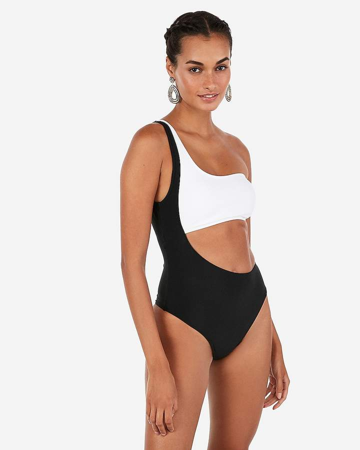 One Shoulder Cut-Out One-Piece Swimsuit