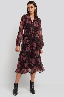 NA-KD Flowy Midi Flounce Dress