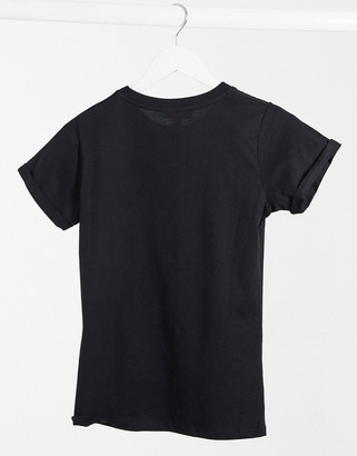 New Look girlfriend tee in black