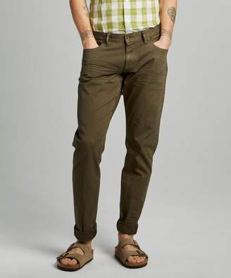 Todd Snyder Slim Fit 5-Pocket Garment-Dyed Stretch Twill in Olive
