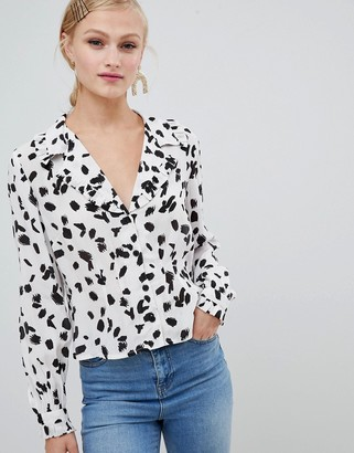 ASOS DESIGN waisted tea blouse with collar detail in abstract print and long sleeves