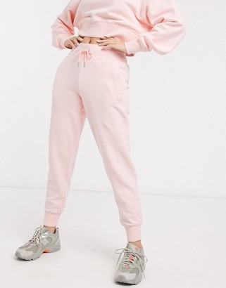 New Balance Jogger in pink