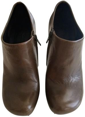 Balenciaga Round Brown Leather Heels
