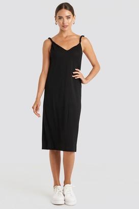 NA-KD Cupro V-Neck Midi Dress Black