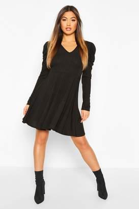 boohoo Ribbed V Neck Puff Sleeve Skater Dress