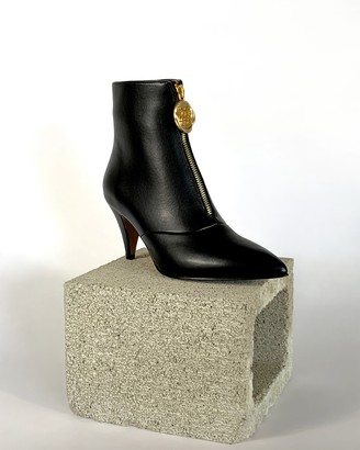 Thomas Laboratories Taylor + Debbie Boot