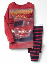 Gap Fire truck stripe sleep set