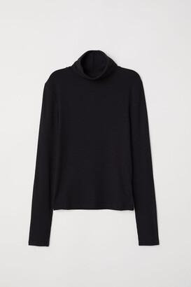 H&M Ribbed Turtleneck Top - Black