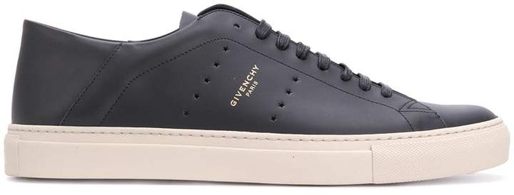 Givenchy star sneakers