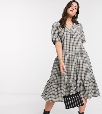Only curve midi smock dress with tiered skirt in grey check