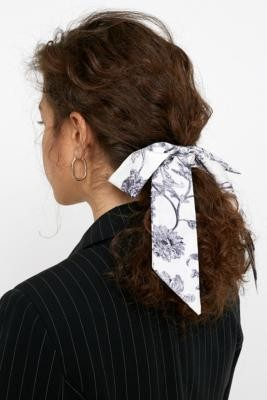 Urban Outfitters Darling Draped Bow Scrunchie - Beige ALL at