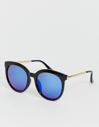 Jeepers Peepers retro sunglasses with blue tinted lens