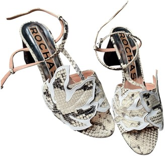 Rochas \N Beige Patent leather Sandals