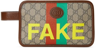 Gucci 'Fake/Not' print cosmetic case
