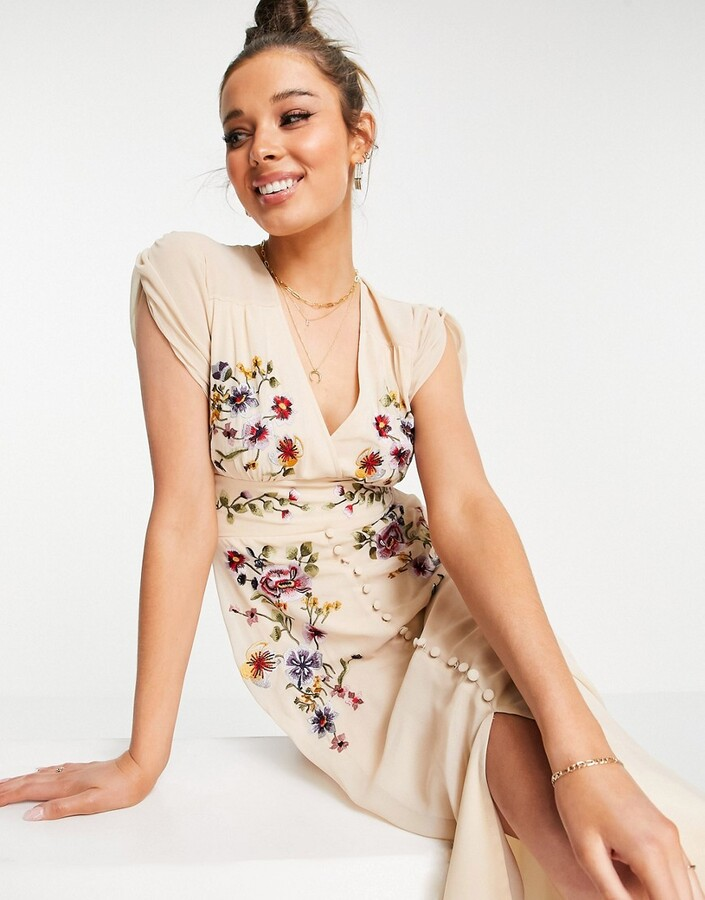 Thumbnail for your product : Hope & Ivy plunge floral embroidered midi tea dress in ivory