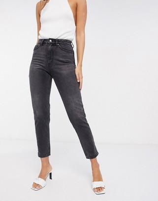 Vero Moda mom jean with high rise in washed black