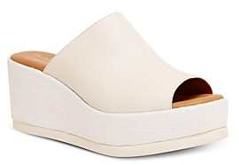 Andre Assous Women's Clara Wedge Sandals