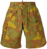 DSQUARED2 camouflage print cargo shorts