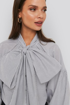 NA-KD Puff Sleeve Pussy Bow Shirt
