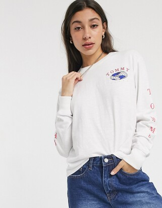 Tommy Jeans long sleeve globe t-shirt-White