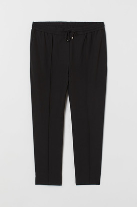 H&M H&M+ Joggers with Creases - Black