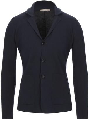 Nuur Suit jackets