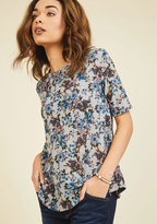 Game Night Guests Floral Top in Blooms in 4X