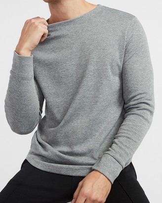 Express Solid Mesh Moisture-Wicking Long Sleeve T-Shirt