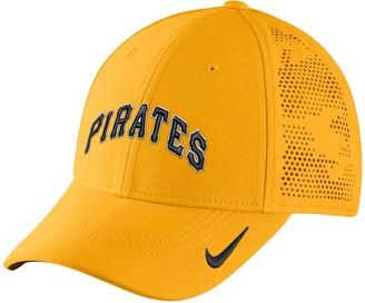 Nike Adult Pittsburgh Pirates Vapor Classic Stretch-Fit Cap