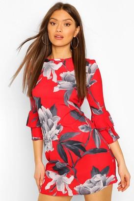 boohoo Frill Sleeve Floral Shift Dress